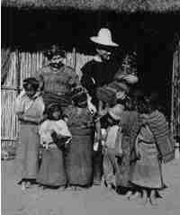 Cameron and Elvira Townsend with some Cakchiquel children (c.1922)